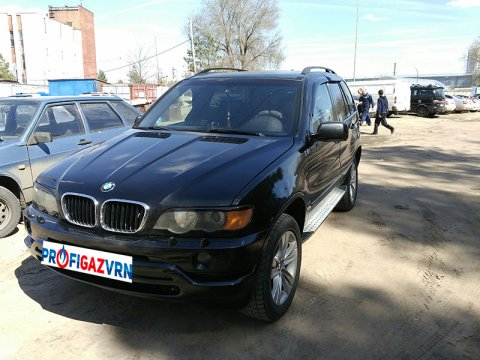 BMW X5 4.4 AT V8 286 HP 4WD